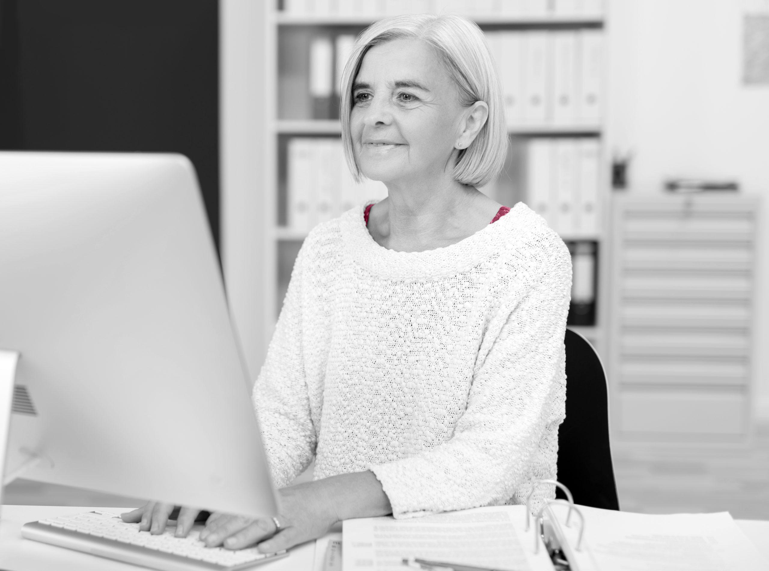 Ta hjälp vid arbetstoppar med hjälp av att hyra seniorer